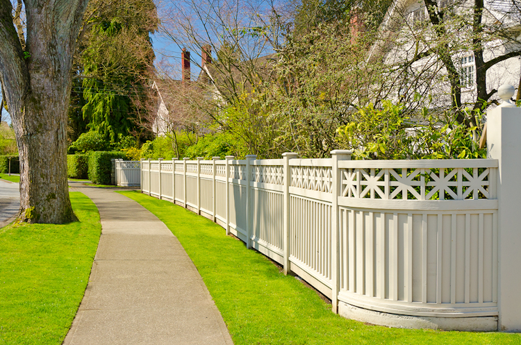 JavaScript Slideshow & Akridge Fence: PVC Vinyl Picket Fence | Vinyl Gates | Vinyl Yard Fencing